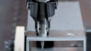 Robotergestütztes Schraubsystem RSF WEBER
